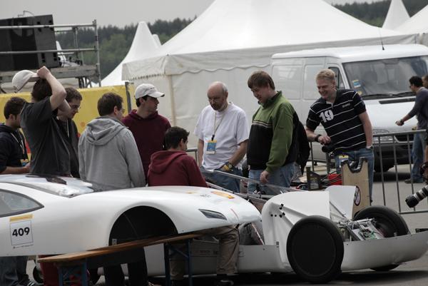 http://www.ecomarathon.de/fileadmin/Sonstige_Unterseiten/ecomarathon/images/Bilder/2009/IMG_0529.jpg