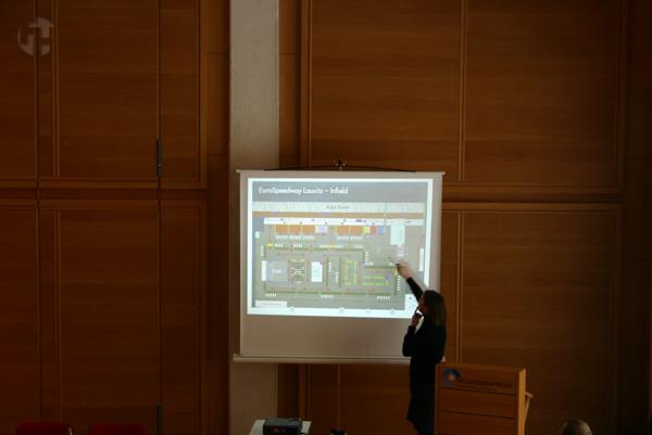 http://www.ecomarathon.de/fileadmin/Sonstige_Unterseiten/ecomarathon/images/Bilder/2009/IMG_4128_web.jpg