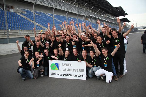 http://www.ecomarathon.de/fileadmin/Sonstige_Unterseiten/ecomarathon/images/Bilder/2009/team_IMG_3988.jpg
