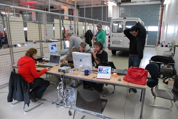 http://www.ecomarathon.de/fileadmin/Sonstige_Unterseiten/ecomarathon/images/Bilder/2009/web_DSC_0021.jpg
