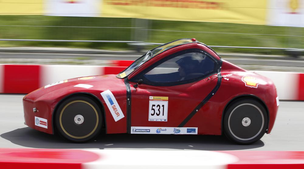 http://www.ecomarathon.de/fileadmin/Sonstige_Unterseiten/ecomarathon/images/Bilder/2012/cars_urban/531_MG_5679_1000.jpg
